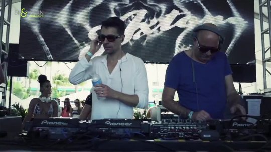5th & Ocean Surfcomber Pool Party For Axtone Records Miami Beach